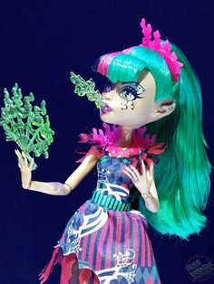 Photo credit : Paul Nicholasi (paulnomad on flickr). Freak du Chic Jinafire the fire-breather! A new Monster High doll coming Fall 2015!
