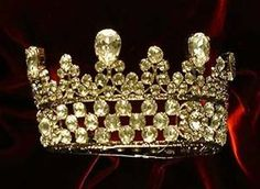 Great Russian Pear-shaped Diamond Coronet