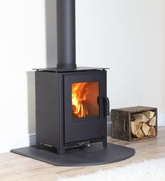 The all NEW Loxton 8 from Mendip Stoves (April Multi Fuel Burner, Multi Fuel Stove, Cast Iron Fireplace, Electric Fireplace, Modern Stoves, Stoves For Sale, Pallet Delivery, Electric Stove, Log Burner