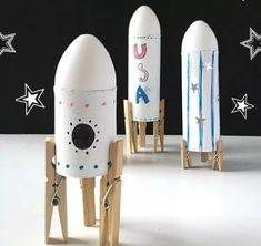 Learn about the planets, galaxies and more with these awesome Outer Space Crafts for Kids! Perfect for Show and Tell or summer STEAM projects! Crafts for kids 20 Outstanding Outer Space Crafts for Kids to Make and Learn Outer Space Crafts For Kids, Space Activities For Kids, Crafts For Kids To Make, Moon Activities, Space Kids, Space Party, Space Theme, Space Projects, Projects For Kids