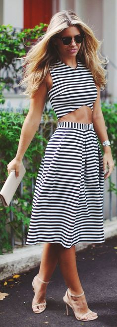 Stripe a Pose Striped # Spring Outfits | Street St...