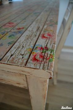 s m İ l e n a..: Yeni çalışma masam ve boya hikayesi
