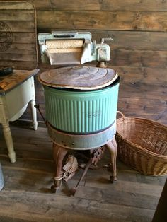 This washing machine may not have an energyStar rating, but it sure is the perfect bluish-green color. | Little Farmstead
