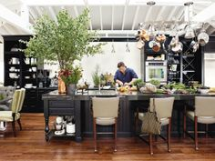 HB 2011 Kitchen of the Year. Not my style, but I love the space, the light, the details... Incorporating dining nook and a reading area in a kitchen that extends to the outdoors (and has skylights!) makes it such a functional and friendly gathering place. See more here: http://www.housebeautiful.com/kitchens/dream/kitchen-of-the-year-tour-tyler-florence-2011#fbIndex11