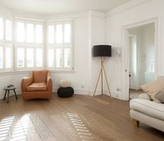 We're in love with wood floors, but what really makes them stand out is the diversity that can be achieved in color, patterns, width and contrasts. #wood #floors #home #interiors #modern