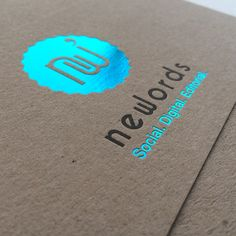 Carte de visite letterpress imprimée par Badcass (France) – Impression : – Finition : couleur sur tranches