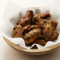 Thai Green Curry Hot Wings by Kitchen Daily. Looking for Asian-inspired chicken wings? This recipe uses Thai green curry paste and hot sauce for wonderful flavor. Best Chicken Wing Recipe, Chicken Wings Spicy, Chicken Wing Recipes, Thai Chicken, Roast Chicken, Fried Chicken, Wine Recipes, Asian Recipes, Cooking Recipes