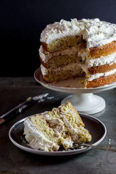 Pistachio Praline cake with White Chocolate.