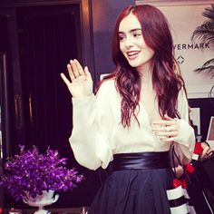 Photo Gallery : InStyle.com What's Right Now Lily Collins