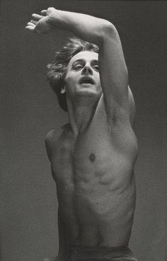 """MIKHAIL BARYSHNIKOV IN """"LE JEUNE HOMME ET LA MORT"""" by Max Waldman 1975"""