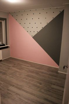 Zimmer Baby room with painted surfaces; pink and gray and black dots, room # su Room Wall Painting, Room Paint, Baby Room Decor, Bedroom Decor, Bedroom Ideas, Teenage Room Decor, Cool Teen Bedrooms, Girl Bedroom Designs, Kids Room Design