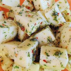 """Marinated Mozzarella Cubes I """"I loved this! Very easy to make and tastes delicious. I used to buy this at the deli at a local market and now I am happy to be able to make it myself. Appetizers For Party, Appetizer Recipes, Cold Appetizers, Cheese Recipes, Italian Appetizers Easy, Delicious Appetizers, Chutney, Tapas, Marinated Cheese"""