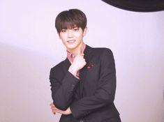 [Vyrl] NCT : NCT U, 태국 인기 과자 'Masita'의 새 얼굴 되다! 과거 'NCT LIFE 방콕편'에서 텐이 멤버들에게 태국 음