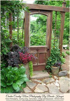 Creative Country Mom: Garden Gawkers - Fantastic Antique Door Repurposed For… Garden Yard Ideas, Garden Projects, Garden Beds, Backyard Ideas, Rustic Gardens, Outdoor Gardens, Garden Cottage, Home And Garden, The Garden Room