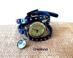 Montre en cuir bleu et sequin liberty wiltshire bleu : Montre par crocmyys