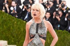 Pin for Later: The 23 Met Gala Moments You Need to See  Pictured: Taylor Swift