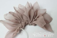 Create gorgeous basic corsages Make your corsages gorgeously like a photo. Diy Lace Ribbon Flowers, Making Fabric Flowers, Organza Flowers, Ribbon Art, Hanging Flower Wall, String Crafts, Fabric Flower Tutorial, Flower Pillow, Making Hair Bows