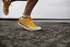 Should I Switch to Forefoot Running? | PHYSIO ANSWERS. Pinned by SOS Inc. Resources. Follow all our boards at pinterest.com/sostherapy/ for therapy resources.