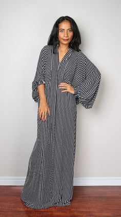 Black and White St riped Dress by Abaya Fashion, Modest Fashion, Boho Fashion, Fashion Outfits, Beautiful Dresses, Nice Dresses, Casual Dresses, African Attire, African Fashion Dresses