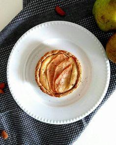 De délicieuses tartelettes façon amandine, aux poires et au souchet . Le tout sans gluten, sans lactose, vegan et allégé en sucre et matières grasses.