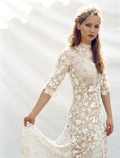 "At first I thought ""What a gorgeous wedding dress!"" Then I noticed it was Jennifer Lawrence. And now Im just jealous that Im not her. Also, no longer sure this is a wedding dress. Beauty And Fashion, Look Fashion, Bridal Gowns, Wedding Gowns, Lace Wedding, Wedding Robe, Wedding Venues, Tipi Wedding, Wedding Pics"