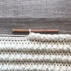 Crochet Motif, Crochet Baby, Knit Crochet, Knitting Stitches, Knitting Patterns, Crochet Patterns, Crochet Pillow Cases, Modern Crochet, Crochet Instructions