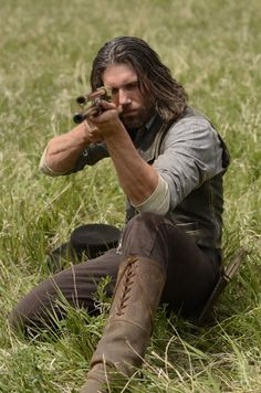 Cullen Bohannon (Anson Mount) in Episode 4. and HERE is the photo I was really searching for. Love the boots!