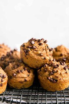 Best Pumpkin Muffins, Pumpkin Pie Mix, Pumpkin Muffin Recipes, Pumpkin Chocolate Chip Muffins, Pumpkin Spice Syrup, Vegan Pumpkin, Healthy Pumpkin, Canned Pumpkin, Chocolate Chips
