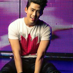 [NEWS] 2PM's Taecyeon rushed to the hospital due to fractured arm - Latest K-pop News - K-pop News   Daily K Pop News
