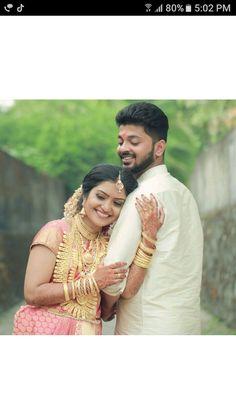Indian Wedding Photography, Wedding Photography Poses, Couple Photography, Wedding Stills, Kerala Bride, Groom Poses, South India, Female Portrait, Saree Wedding