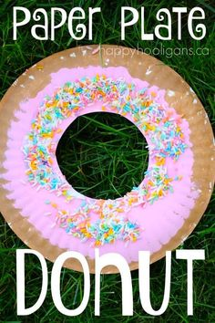 "Make a paper plate donut craft, complete with colourful icing and ""sprinkles"". G… Make a paper plate donut craft, complete with colourful icing and ""sprinkles"". Great letter ""D"" craft for toddlers and preschoolers. Daycare Crafts, Classroom Crafts, Fun Crafts, Preschool Food Crafts, Kindergarten Crafts, Toddler Preschool, Preschool Birthday Board, Pre School Crafts, Preschool Letter Crafts"
