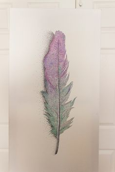 Florida-based student Andrew Pons clearly knows a thing or two about creativity. Using gorgeous colours, Pons has transformed the humble feather into a work of beautiful dot art.