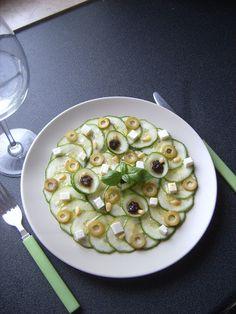 MÉLINA & CHOCOLAT: Carpaccio de concombre au 2 olives et feta. [Battle Food #34]