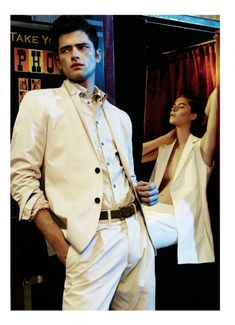Sean OPry is Picture Perfect for Details