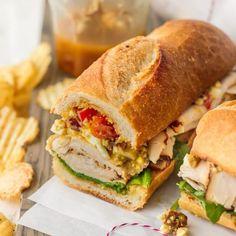 Chicken Egg Salad, Chicken Subs, Chicken Sandwich, Baguette Sandwich, Salad Sandwich, Sandwich Recipes, Teriyaki Chicken, Cucumber Recipes, Salad Recipes