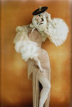 Les Poupees Russes photography by  Tim Walker: Something about this pose...