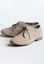 I'd really like a pair of shoes like this, but none of my clothes are cute enough to compliment them. Frustrating.