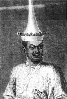เจ้าพระยาโกษาธิบดี (ปาน) ครั้งเป็นออกพระวิสุทธสุนทรราชทูต (ภาพวาดฝีมือชาวฝรั่งเศสวาดเมื่อ พ.ศ. 2227) | Pan(Thai:ปาน) was aSiamesediplomatandministerwho led theSecond Siamese Embassy to Francesent by KingNaraiin 1686.[1]:262–263He was preceded to France by the First Siamese Embassy to France, which had been composed of two Siamese ambassadors and FatherBénigne Vachet, who had left Siam for France on January 5, 1684.[2]He was a nephew of KingEkathotsarotand a great grandfather…