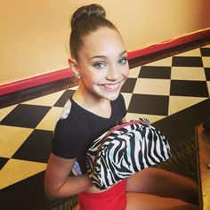 Maddie ziegler with dancekeeper bag ♥Dancemoms luver♥