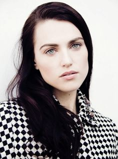 "Katie McGrath the faceclaim for Elizabeth ""Eliza"" Lancaster! However she does actually have caramel blonde hair and heterochromia (the left eye is a bluish-green and the right is a hazel brown)"