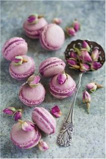 Radiant Orchid 2014 - this seasons hottest colour - don't these macarons look too good to eat!