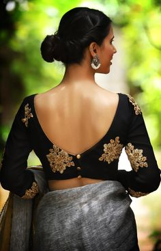 blouse designs latest 21 Uber Cool Sleeveless Blouse Designs Women Must Have in Wardrobe Choli Designs, Choli Blouse Design, Dress Designs, Blouse Designs Wedding, Choli Back Design, Sari Design, Ethnic Design, Black Blouse Designs, Saree Blouse Neck Designs
