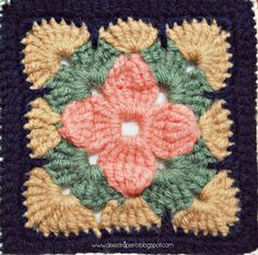 Square Crochet Projects Let's start this adventure as it should be, with flowers! Flowers are a very recurrent resource for granny squares and crochet blank. Crochet Bedspread Pattern, Granny Square Crochet Pattern, Crochet Flower Patterns, Crochet Stitches Patterns, Crochet Diagram, Crochet Squares, Crochet Designs, Knitting Patterns, Granny Squares