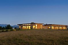 Warm and Inviting House in New Zealand Placed in a Breathtaking Landscape
