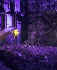 Golden Smaug #1 ~ Can't you just see Benedict crawling like this?