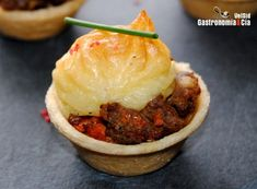 mini pastel de carne Brunch, Food Decoration, I Love Food, Catering, Smoothies, Appetizers, Yummy Food, Beef, Snacks