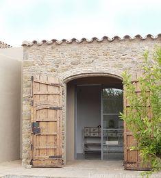 Portal, Mediterranean Architecture, Weekend House, Balearic Islands, Interior Stylist, Building Materials, Vintage Home Decor, Beach House, Improve Yourself