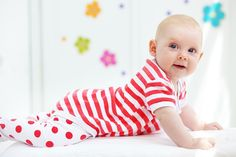 Μωρό 12 μηνών, φυσιολογική ανάπτυξη: Κινητικότητα, κοινωνικότητα, αντίληψη, ακοή, ομιλία