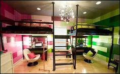 Jeśli zależy nam na bardziej uniwersalnej sypialni, która służyć będzie latami, warto wybrać stylistykę minimalistyczną, która da się ożywić detalami w postaci kolorowej pościeli, poduszek czy obrazów na ścianę.    #obraznaścianę #obrazydlamłodzieży #DecoArt24