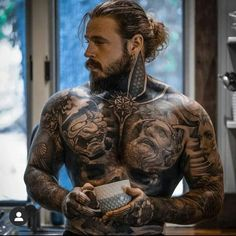 Beautiful Men Faces, Beautiful Boys, Gorgeous Men, Military Haircuts Men, Haircuts For Men, Mens Body Tattoos, Tatted Men, Cute White Guys, Sexy Beard